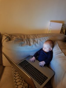Baby meewerken