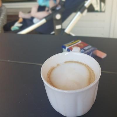 Koffie en een peuk