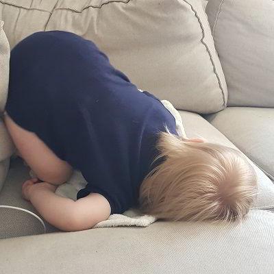 Kind slaapt papa kan weer werken