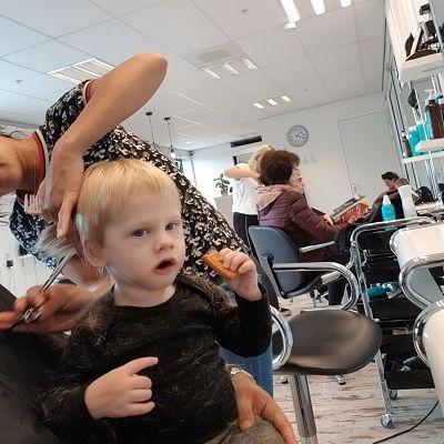 Eerste keer naar de kapper met je baby
