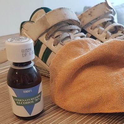 Alcohol tegen stinkende schoenen