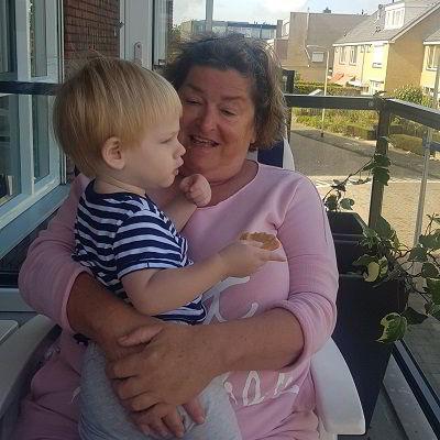 Morris met oma op mijn verjaardag