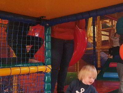 Binnenspeeltuin klimmen