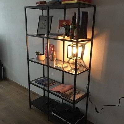Nieuwe lampen op kantoor